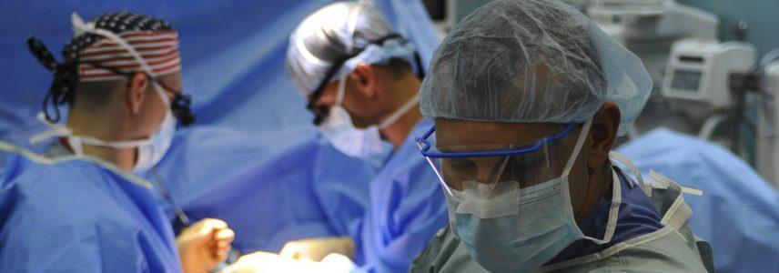 cropped-surgeonspic2.jpeg
